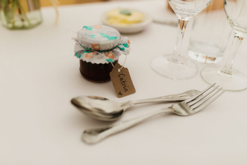 Jam jar wedding favours