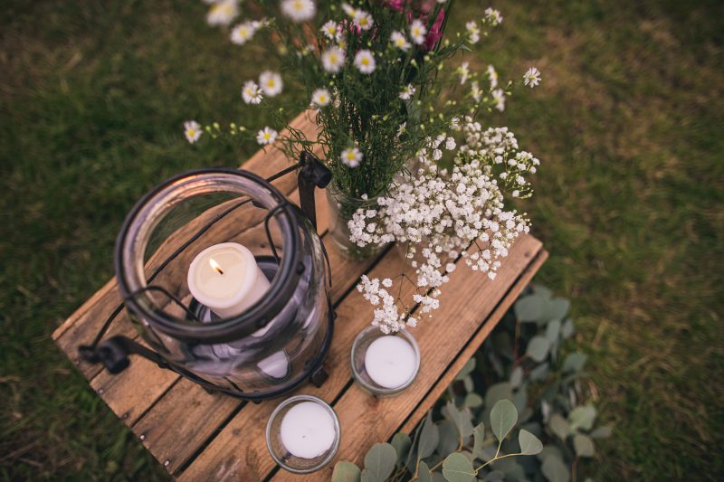 wedding decor rustic outdoor candles flowers