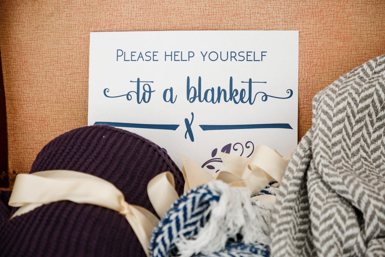 help-yourself-blankets-wedding