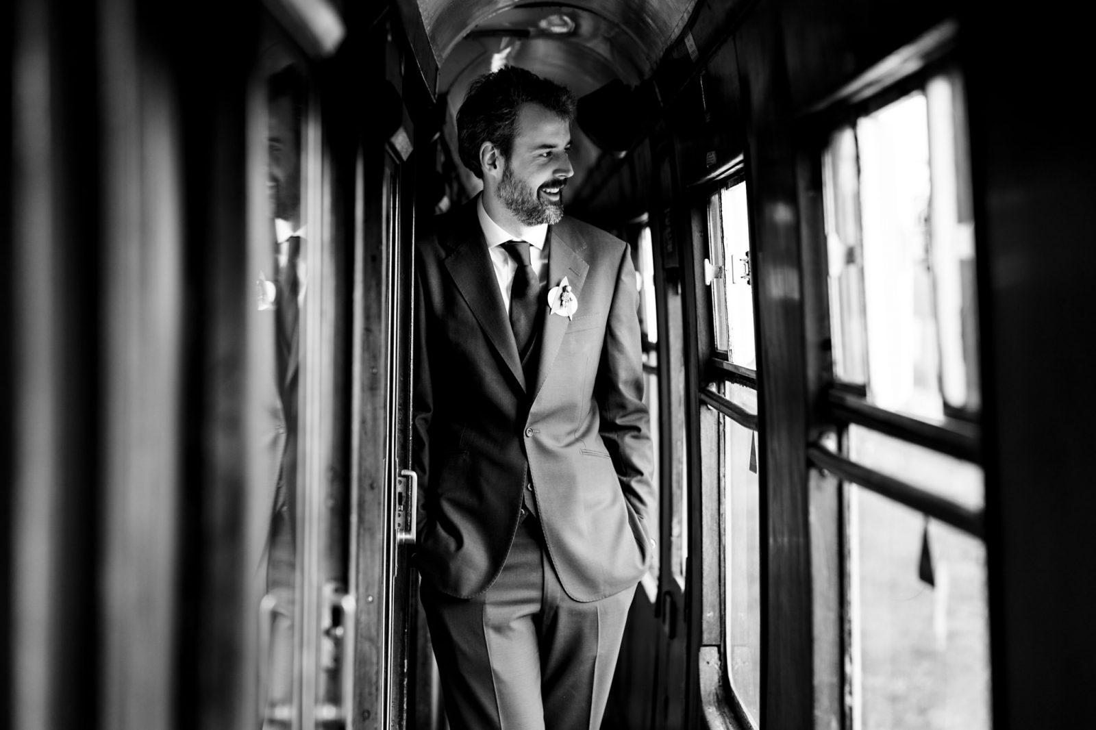 groom-on-train