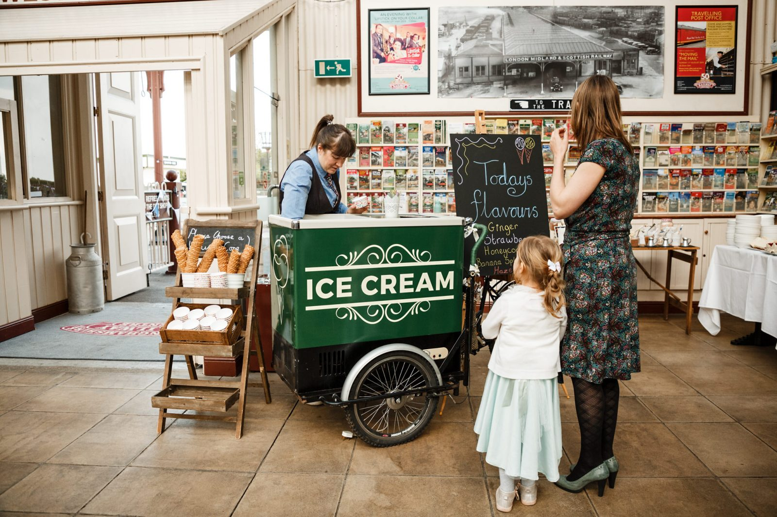 ice-cream-cart-wedding-railway-centre